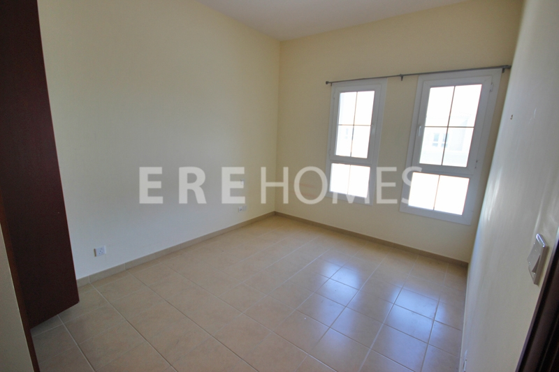 Fantastic 1 Bedroom Fully Furnished Spacious Apartment Fairview Residency Business Bay Dubai Er R 9765