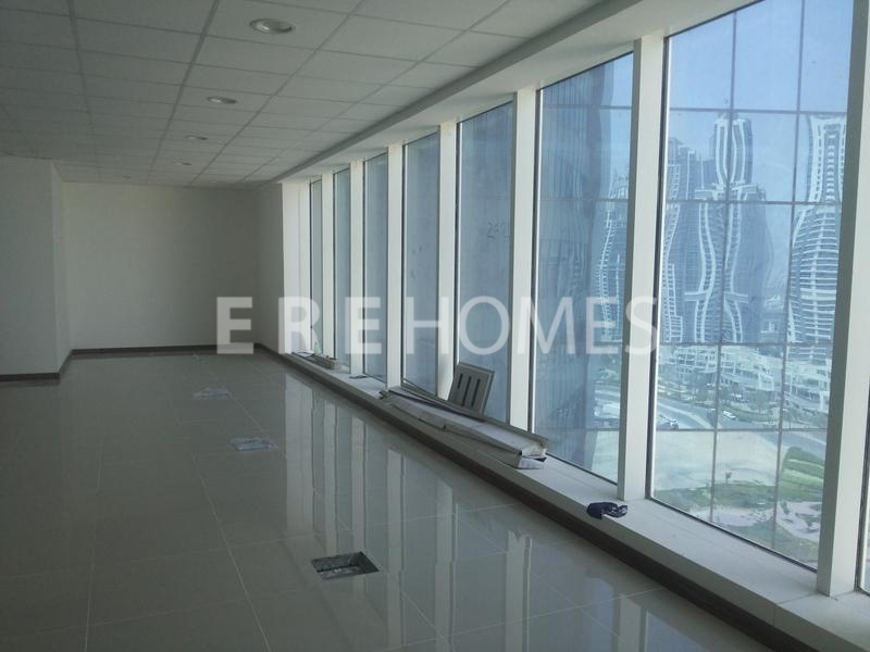 Beautiful Corner Office With Panoramic Views Er R 13783
