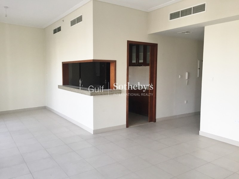 3 Bedroom Plus Maids With Sea View, Jbr