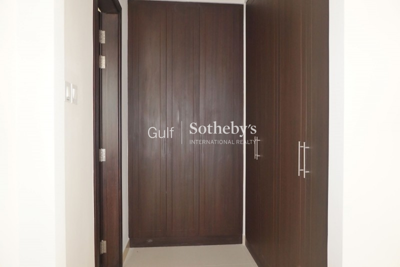 Beautiful 3 Bedroom Plus Maid, Burj Khalifa, Downtown Er R 10734
