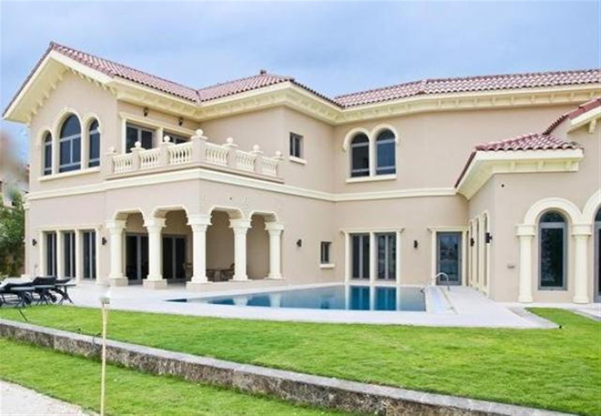 Signature Villa At Palm Jumeirah_ Central Pool Spanish_middle Number _available For Sale