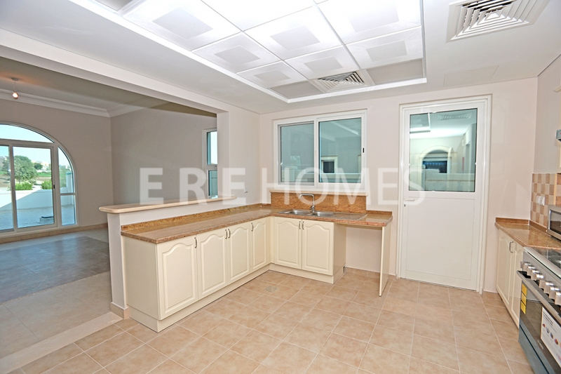 Fabulous Garden Style Apartment With Impressive Marina Views, Vacant And High Floor In Dubai Marina. Er S 5259