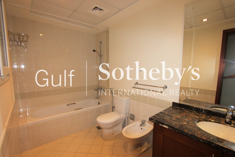 Fully Furnished 3 Bedroom Penthouse Level Apartment With Full Sea And Dubai Skyline Views-Available Now Er R 12936