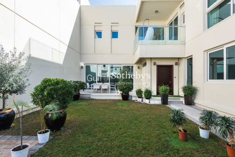 3,400 Aed Psf!! Best Priced 2 Bedroom + Maid In Burj Khalifa Er S 6025