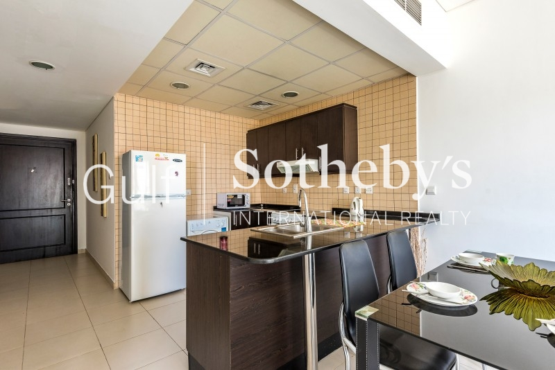Fantastic Price 3 Bedroom Plus Maids Room Executive Tower Business Bay Dubai ER-R-11608