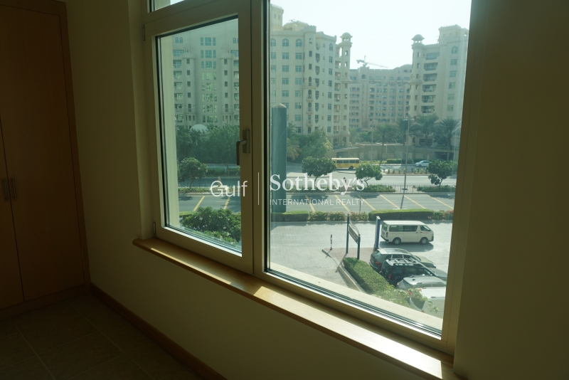 Partial Marina View, 2 Bed And Maids , Marina Terrace, Vacant Now Er R 13986