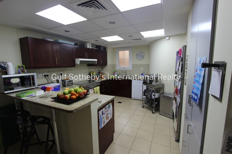 Large 1 Bed, High Floor, Burj Khalifa, Sea View, 170,000 Aed Er R 11884