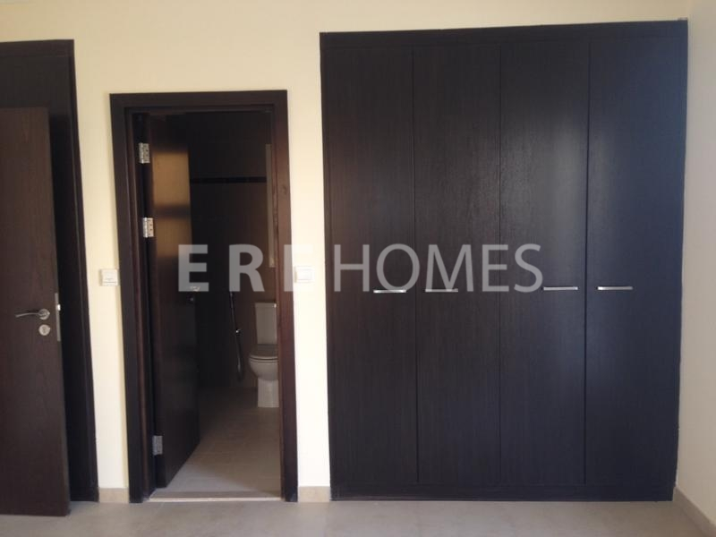 Up To 4 Cheques Vacant And Ready To Move In Al Thamam Remraam Er R 12385